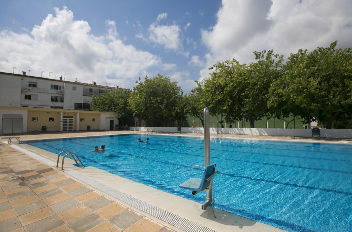 piscinas verano Roís de Correla y Beniopa